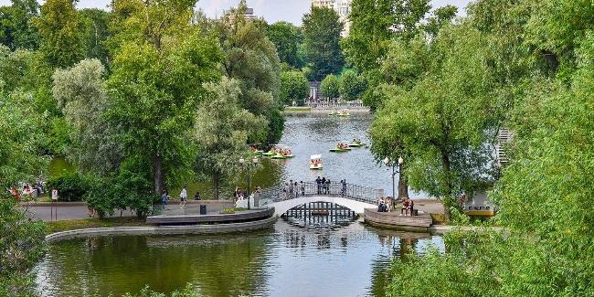 Роспотребнадзор проверил на COVID-19 воду в зонах отдыха с купанием в Москве